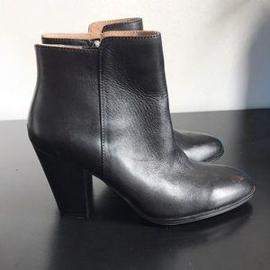 NWOB Adrienne Vittadini Leather Booties, Size 6